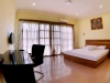 9-deluxe-double-bed-private